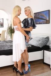 Piss Loving Blondes photo #1
